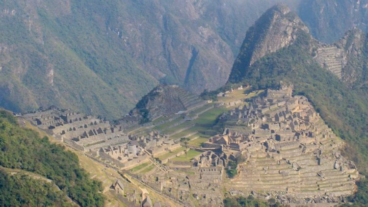 AUTHENTIC MACHU PICCHU EXPERIENCE 4 DAYS / REGULAR SERVICE